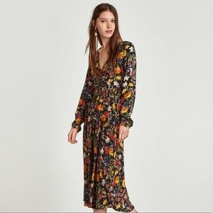 Zara NWT long sleeves floral v-neck maxi dress